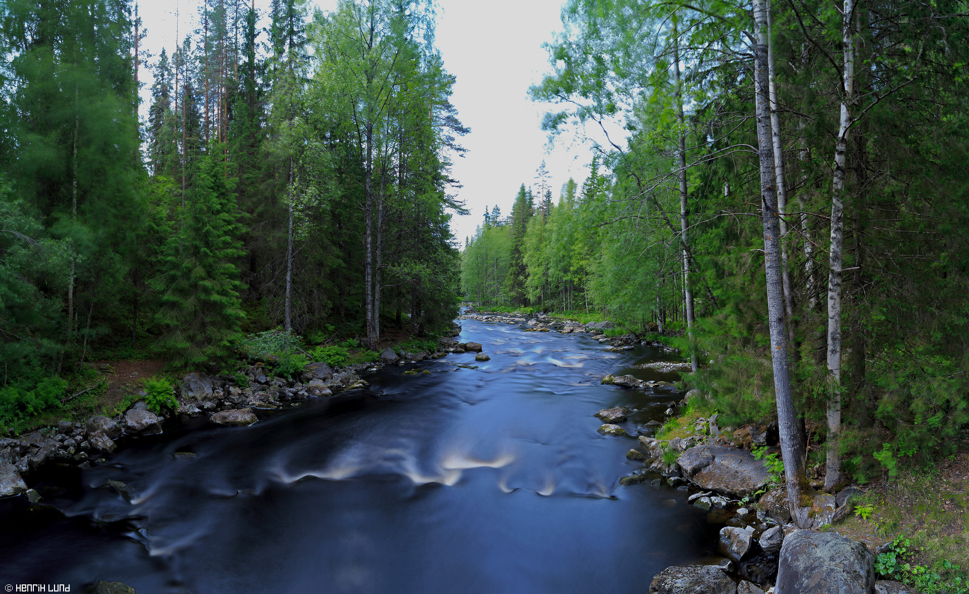 Long day exposure made with Lee Big Stopper, at Vekaruskoski, Koitajoki, Joensuu, Finland, June 2015.